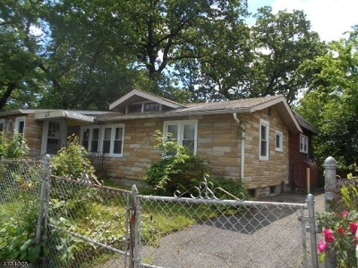 Old Bridge Twp. Single Family Home For Sale: 275 Outlook Blvd
