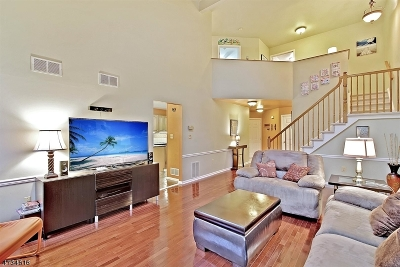 Randolph Twp. Condo/Townhouse For Sale: 8 Woodmont Dr