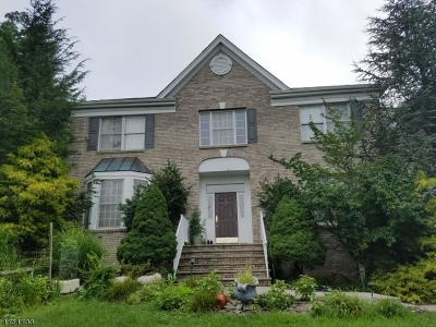 Single Family Home For Sale: 1 Cliff Rd
