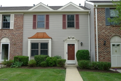 Bernards Twp. Condo/Townhouse For Sale: 390 Penns Way