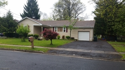 Piscataway Twp. Single Family Home For Sale: 1715 Cedarwood Dr