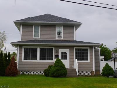 Woodbridge Twp. Single Family Home For Sale: 54 E Pennsylvania Ave