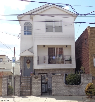 Essex County, Morris County, Union County Multi Family Home For Sale: 17 Calumet St