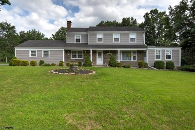 Bridgewater Twp. Single Family Home Active Under Contract: 952 Ardsley Ln