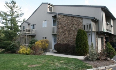 West Orange Twp. Condo/Townhouse For Sale: 42 Kayser Ln