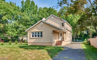 Springfield Twp. Single Family Home For Sale: 45 Evergreen Ave