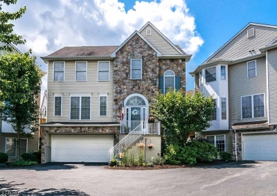 Randolph Twp. Condo/Townhouse For Sale: 102 Arrowgate Dr