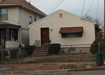 Elizabeth City Single Family Home For Sale: 521 Burnham Rd