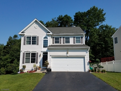 Old Bridge Twp. Single Family Home For Sale: 10 Timber Grove Ct