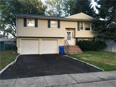 Woodbridge Twp. Single Family Home For Sale: 126 Rosewood Ln