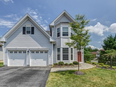 South Brunswick Twp. Single Family Home For Sale: 35 Hardwick Dr