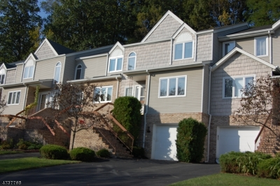 Parsippany Condo/Townhouse For Sale: 64 Averell Dr