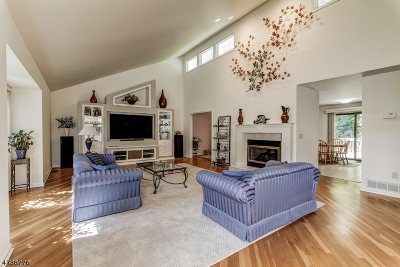 West Orange Twp. Single Family Home For Sale: 14 Underwood Dr