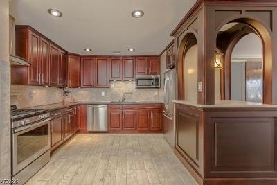 Woodbridge Twp. Single Family Home For Sale: 34 Cozy Cor
