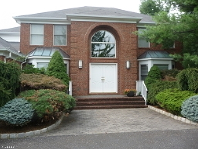 Warren Twp. Single Family Home For Sale: 16 Crosswood Way