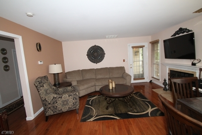 Union Twp. Condo/Townhouse For Sale: 231 Broadmoor Ct #6
