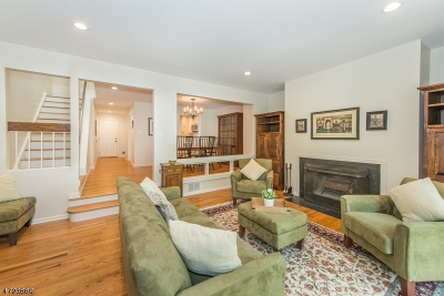 Morris Twp. Condo/Townhouse For Sale: 52 Keats Way
