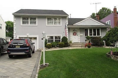 Union Twp. Single Family Home For Sale: 560 Fairway Dr