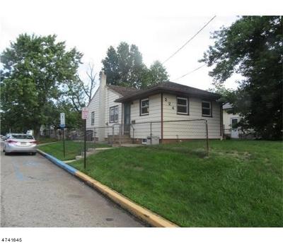 Woodbridge Twp. Single Family Home For Sale: 224 Bunns Ln