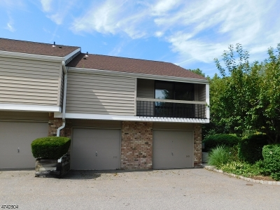 Union Twp. Condo/Townhouse For Sale: 146 Overlook Dr