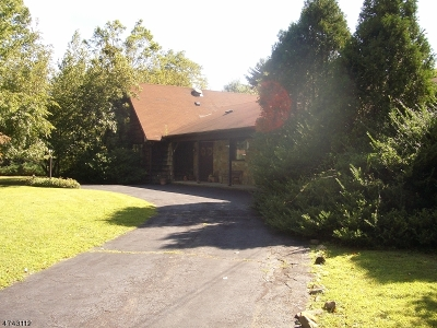 Scotch Plains Twp. Single Family Home Active Under Contract: 1221 Lenape Way