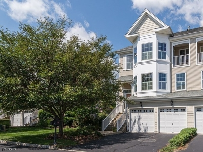 South Amboy City Condo/Townhouse For Sale: 43 S Shore Dr