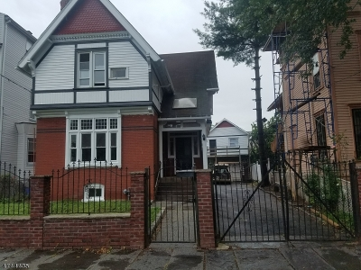 Newark City NJ Single Family Home For Sale: $274,900