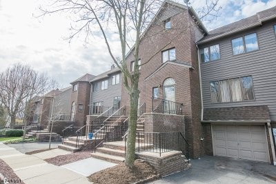 South Orange Village Twp. Condo/Townhouse For Sale: 21 Village Green Ct