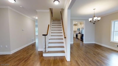Single Family Home For Sale: 1021 Cranbrook Rd