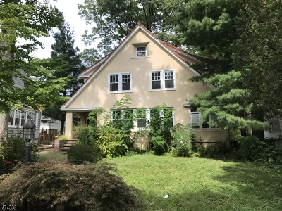 Maplewood Twp. Single Family Home For Sale: 15 Maple Ter