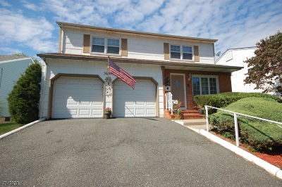 Bloomfield Twp. Single Family Home For Sale: 15 George St