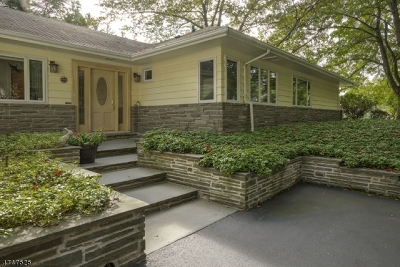WATCHUNG Single Family Home For Sale: 40 Eaton Rd