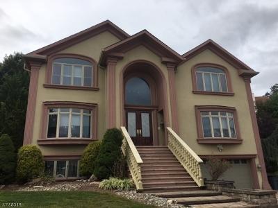 Totowa Boro Single Family Home For Sale: 33 Hamilton Trl