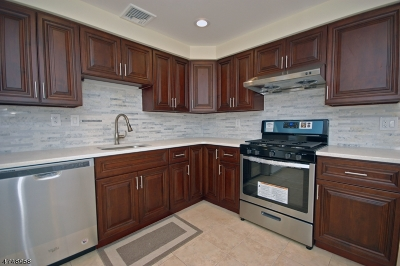 New Providence Boro Single Family Home For Sale: 16 Penwood Dr