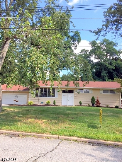 Parsippany-Troy Hills Twp. Single Family Home For Sale: 1 E Brooklawn Dr