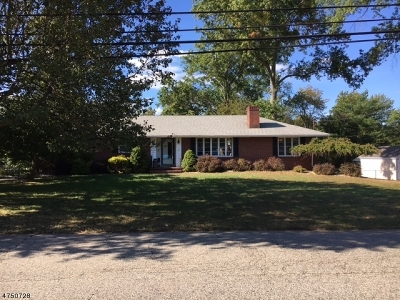 Piscataway Twp. NJ Single Family Home For Sale: $200,000