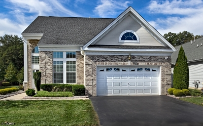 South Brunswick Twp. Single Family Home For Sale: 12 Stony Path Dr