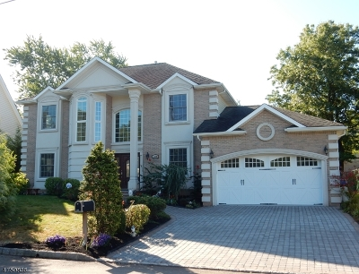 Clark Twp. NJ Single Family Home For Sale: $889,000