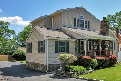 Hanover Single Family Home For Sale: 56 Oak Blvd