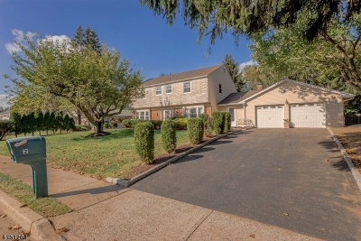 Marlboro Twp. Single Family Home For Sale: 2 Brandon Rd