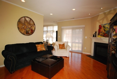 Livingston Condo/Townhouse For Sale