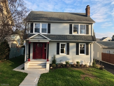 Union Twp. Single Family Home For Sale: 961 Park Ter