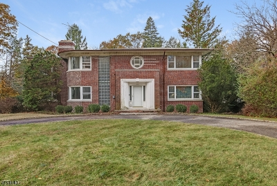 Millburn Twp. Single Family Home For Sale: 93 Highland Ave
