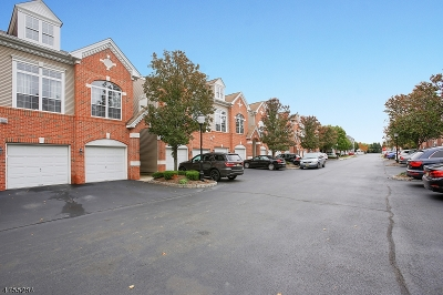 Union Twp. Condo/Townhouse For Sale: 916 Redspire Dr