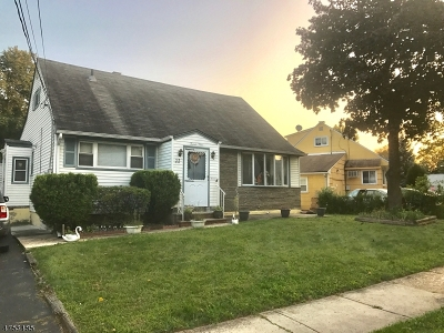 Roselle Boro Single Family Home For Sale: 22 Colonial Rd