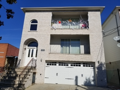 Essex County, Morris County, Union County Multi Family Home For Sale: 136 Malvern St