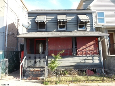 New Brunswick City NJ Single Family Home For Sale: $105,000