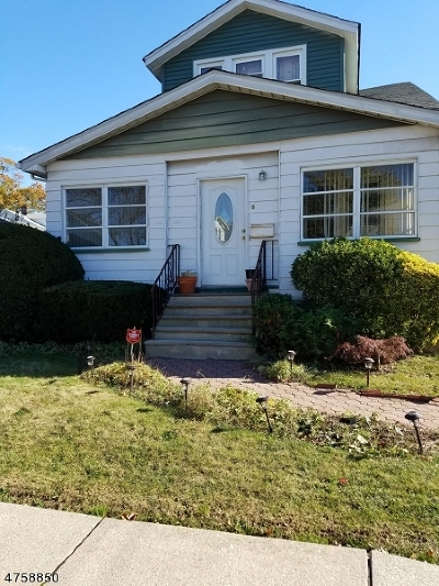 Maplewood Twp. Single Family Home For Sale: 8 Hughes St