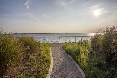 South Amboy City Condo/Townhouse For Sale: 6 S Shore Dr