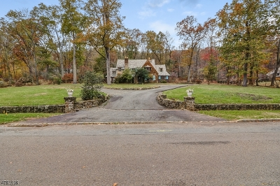 WATCHUNG Single Family Home For Sale: 51 East Dr